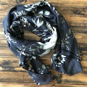 Accessories - 5 scarves lot